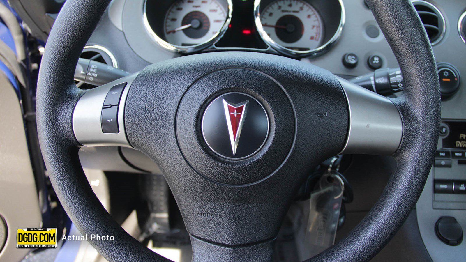 Pre-Owned 2009 Pontiac Solstice Base